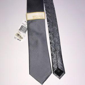 NWT Michael Kors tie 100% silk grey